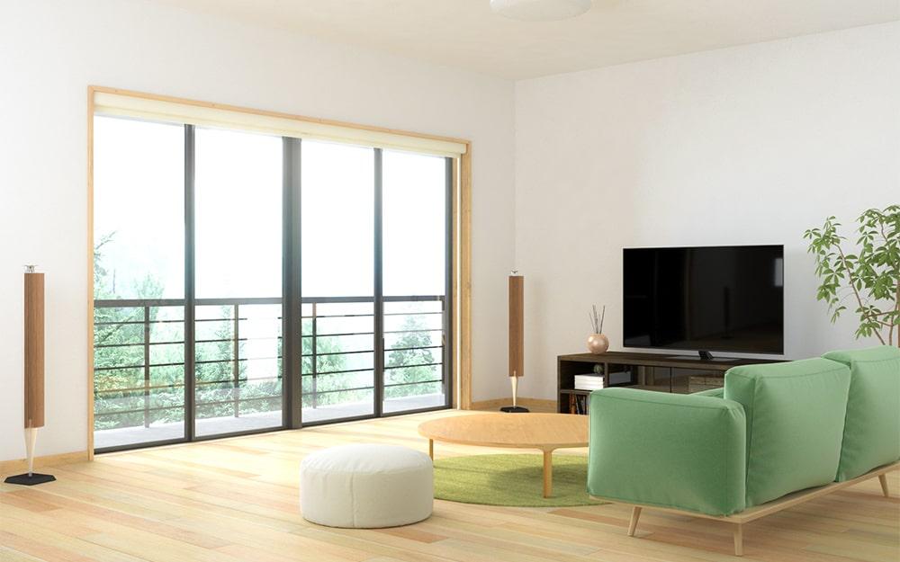 お家でも大画面で映画が楽しめるようにリビングに「シネマウィンドウ」を設置した事例 (1)