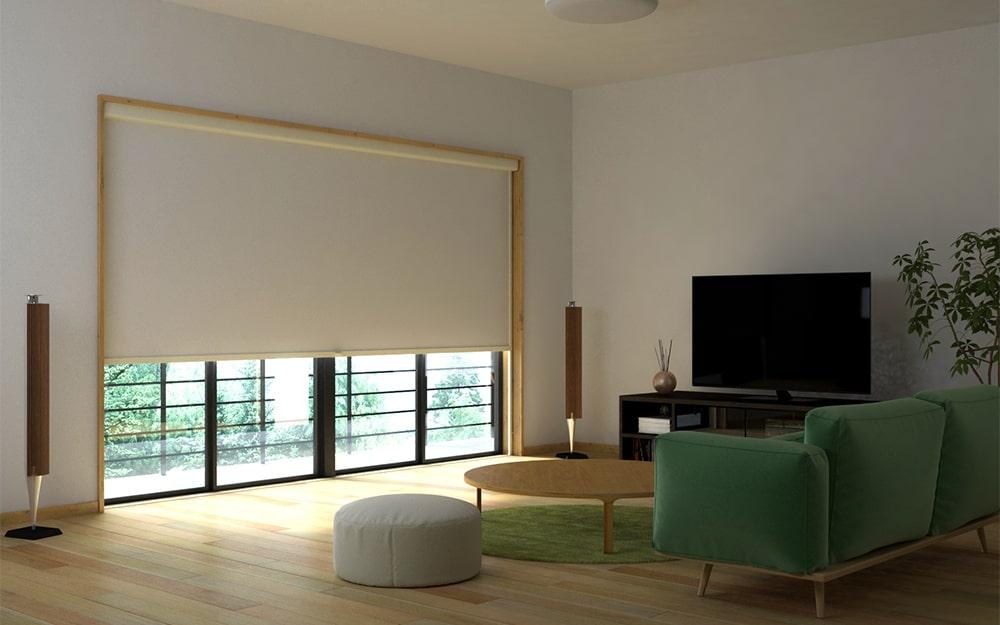 お家でも大画面で映画が楽しめるようにリビングに「シネマウィンドウ」を設置した事例 (2)