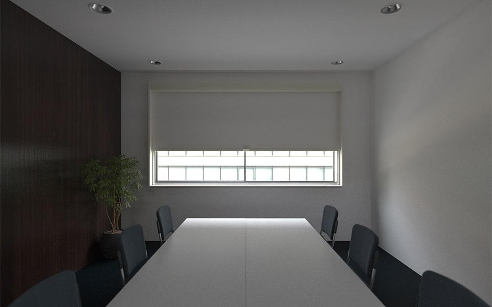 会議室をプレゼンルームにもできるよう「シネマウィンドウ」を設置した事例 (2)
