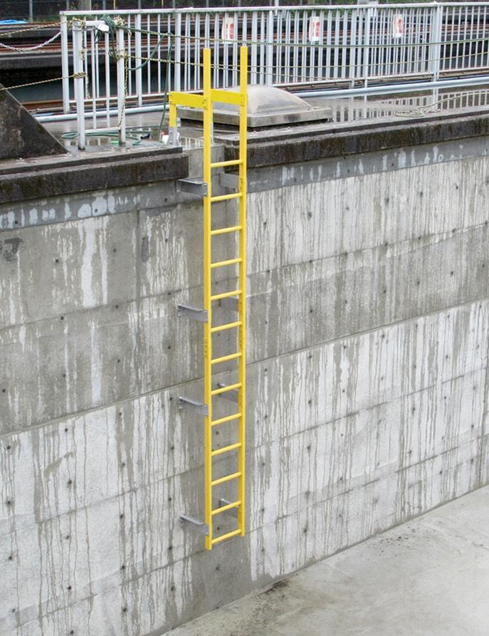 梯子・階段に「エバープルトン」を使用した事例 (1)