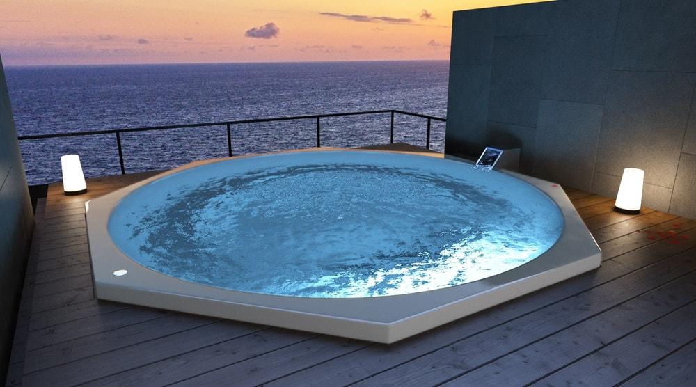 国内最大サイズ・自由形状のリゾート用浴槽「FRAオーダー浴槽」